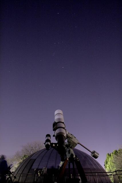 オリオン座のM42を観察中。