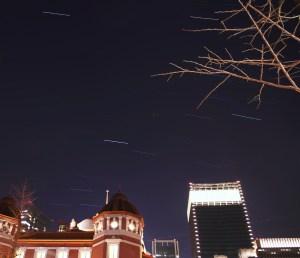 東京駅の星景